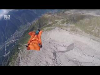 Сумасшедший прыжок с высоты 3842м