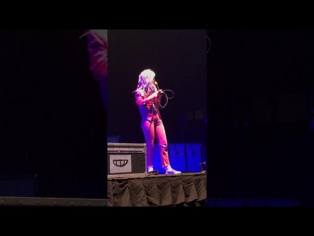 Hayley Williams on stage