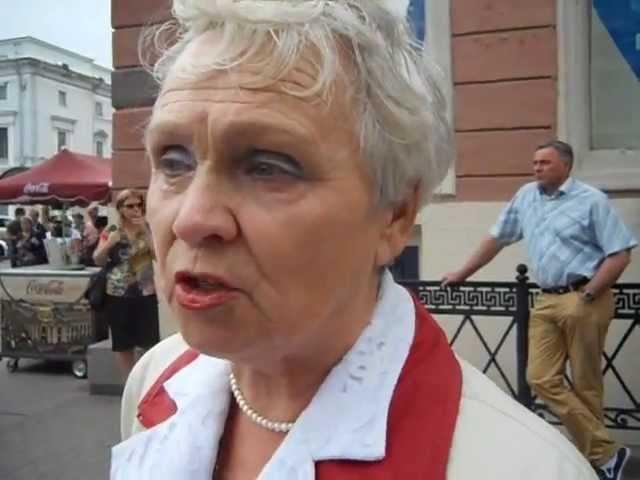 Отважная Русская женщина о Путине, Навальном, Офицерове.
