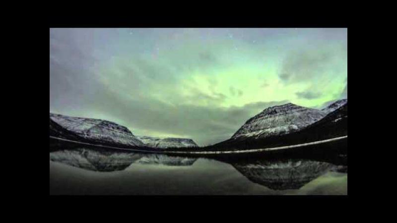 Полярные сияния на озере Собачьем, плато Путорана