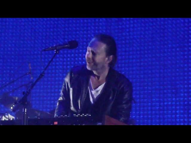 Staircase - Radiohead live in Santa Barbara 0012