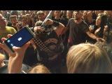 ZAKK WYLDE playing guitar solo in the crowd @Posthof, Linz, Austria 20160601
