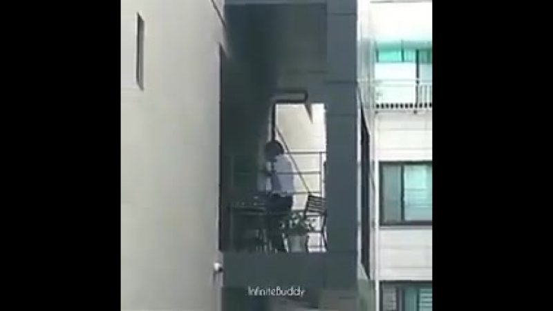 [FANCAM] 170609 Spotted in Woollim Ent. Building - Dongwoo