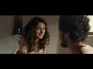 Мария Вальверде (María Valverde) голая в фильме «Али и Нино» (2016)