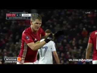 Манчестер Юнайтед - Уиган Атлетик 4:0. Бастиан Швайнштайгер