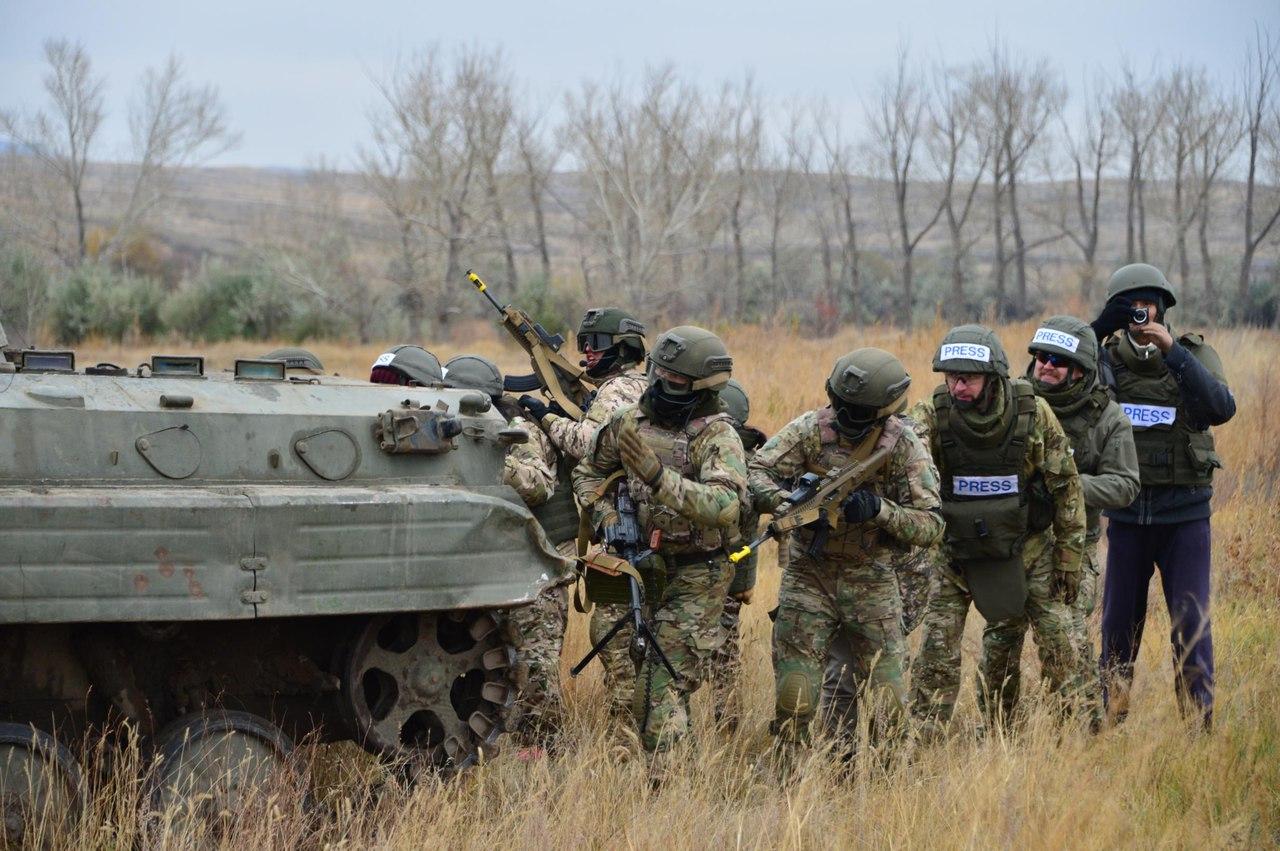Kazakhstan Armed Forces QVl2pPr7COE