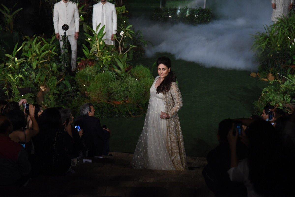 БЕБО - Карина Капур / Kareena Kapoor - Страница 16 Mi8MeTbLyR4