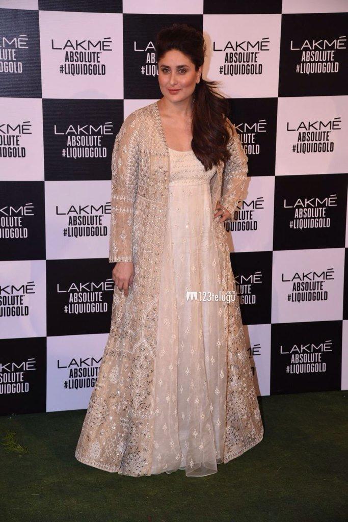 БЕБО - Карина Капур / Kareena Kapoor - Страница 16 TdTlL5hhrFI