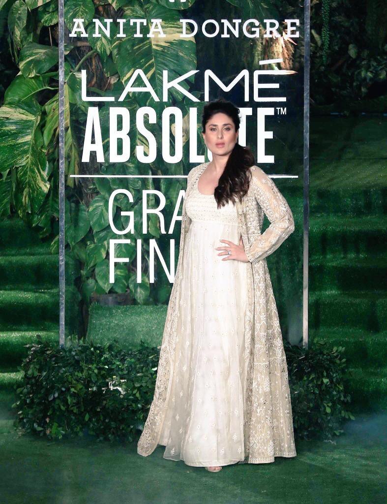 БЕБО - Карина Капур / Kareena Kapoor - Страница 16 ANoQIkSltKw