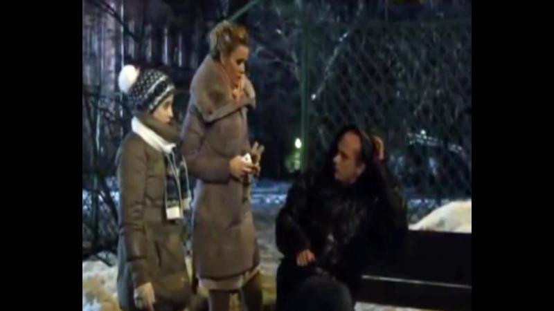 Шоурил. Королева бандитов 2. серия 1. Роль: Человек на скамейке похожий на Гришу.