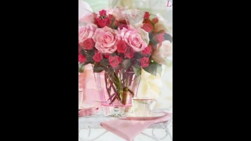 Чужая жизнь, как чужие окна. Даже если на подоконнике цветы, это еще не значит, что внутри рай.