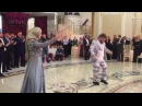 Рамзан Кадыров танцует с дочерью