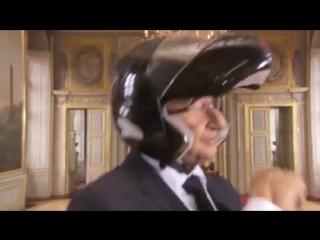 Célib la parodie de Pharrell Williams Happy - Les Guignols -