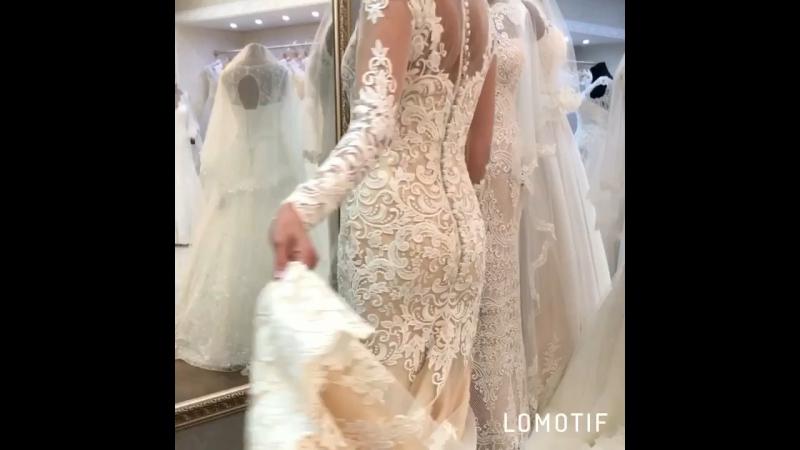 Наикрасивейшее дизайнерское платье искусно выложенное кружево подчеркнёт достоинства фигуры👌🏻 В модном цвете 2017 nude