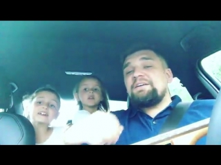 """Рэпер Василий Вакуленко и его дочери - 7-летняя Мария и 4-летняя Василиса исполнили песню """"Сансара"""""""