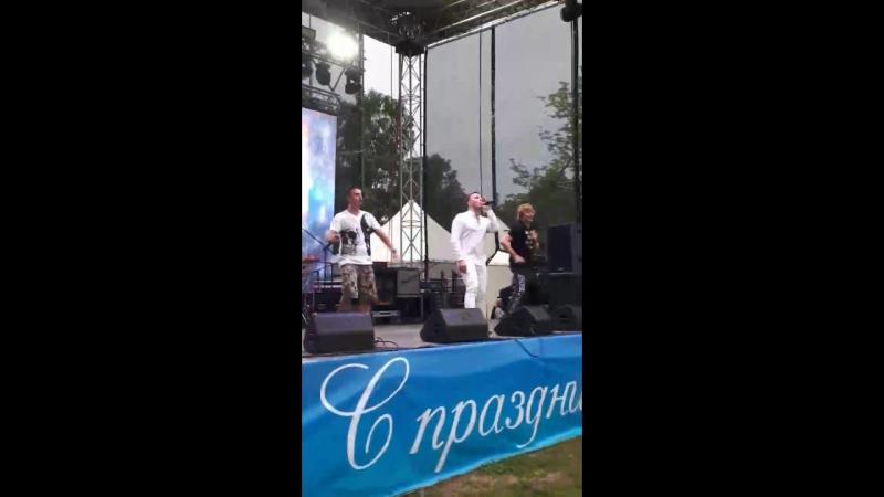 Иванушки 01.07.17г. В Муринском парке-Тополиный пух