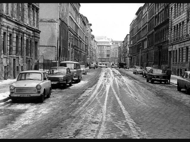 Oktoberklub Ueberlegung - DDR - Trabant
