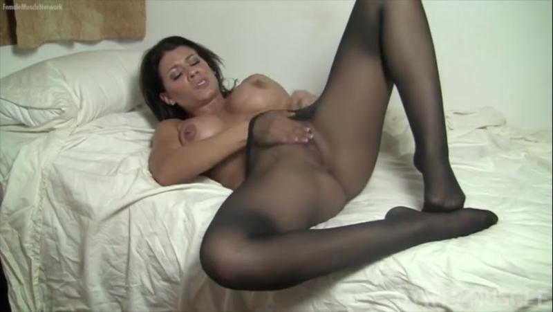 Девушка в колготках мастурбация это