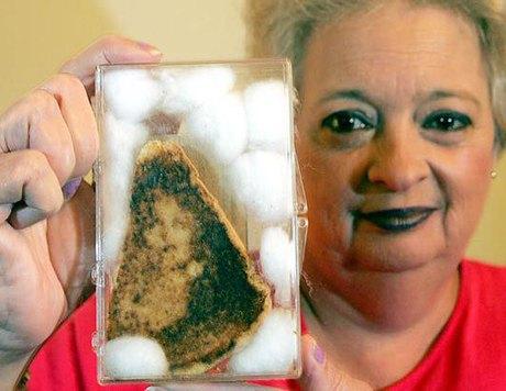 Дева Мария на тосте