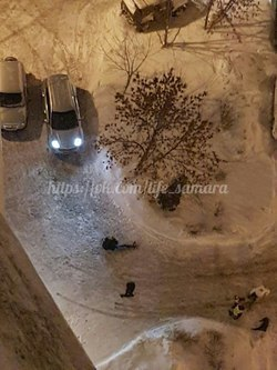В Самаре на улице Силина мужчина упал с многоэтажного дома и погиб