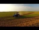 Тракторы МТЗ  и огромная надпись
