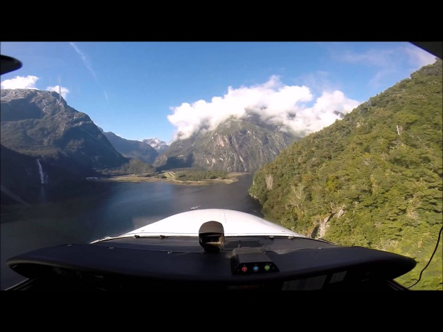 Approach and Landing at Milford Sound airport Cessna 172-S