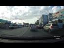 Авария. Лексус проехал на красный, врезался в пассажирскую газель (70 лет Октября-Дмитриева)[1]