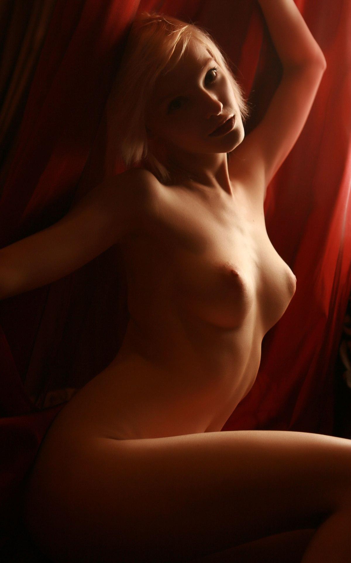 kira-erotika
