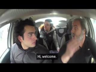 Чтобы удивить глухого парня,  целый город выучил язык жестов