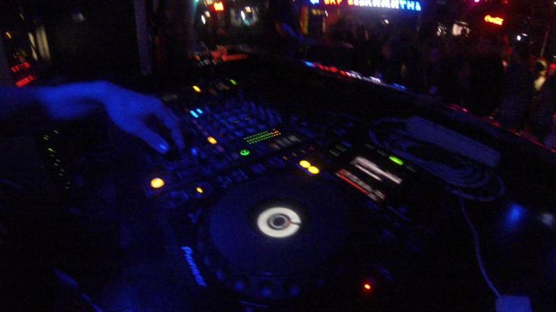 Среда.Честерфилд бар.DJ RedCraft(Москва)