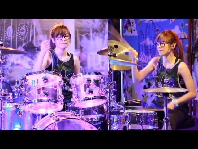 羅小白S. White - 롤리폴리 (Roly Poly) Барабанщица-виртуоз из Тайваня.Amazing Girl Drummer