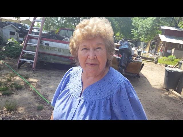 США. Курятник американки-бабушки Хелен. По чем домашние яйца?