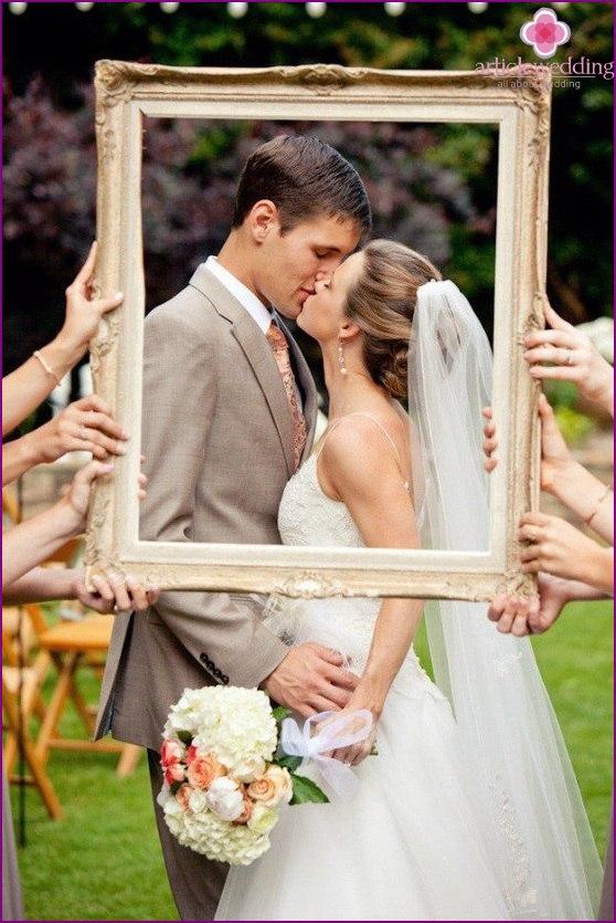 H0yMC3wWtiU - Модные тенденции в оформлении фотозоны на свадьбе в сезоне 2017 (30 фото)