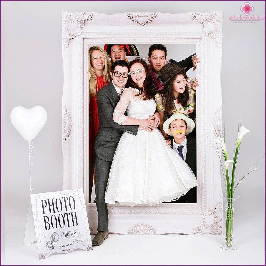 ID6zyQDuMLo - Модные тенденции в оформлении фотозоны на свадьбе в сезоне 2017 (30 фото)