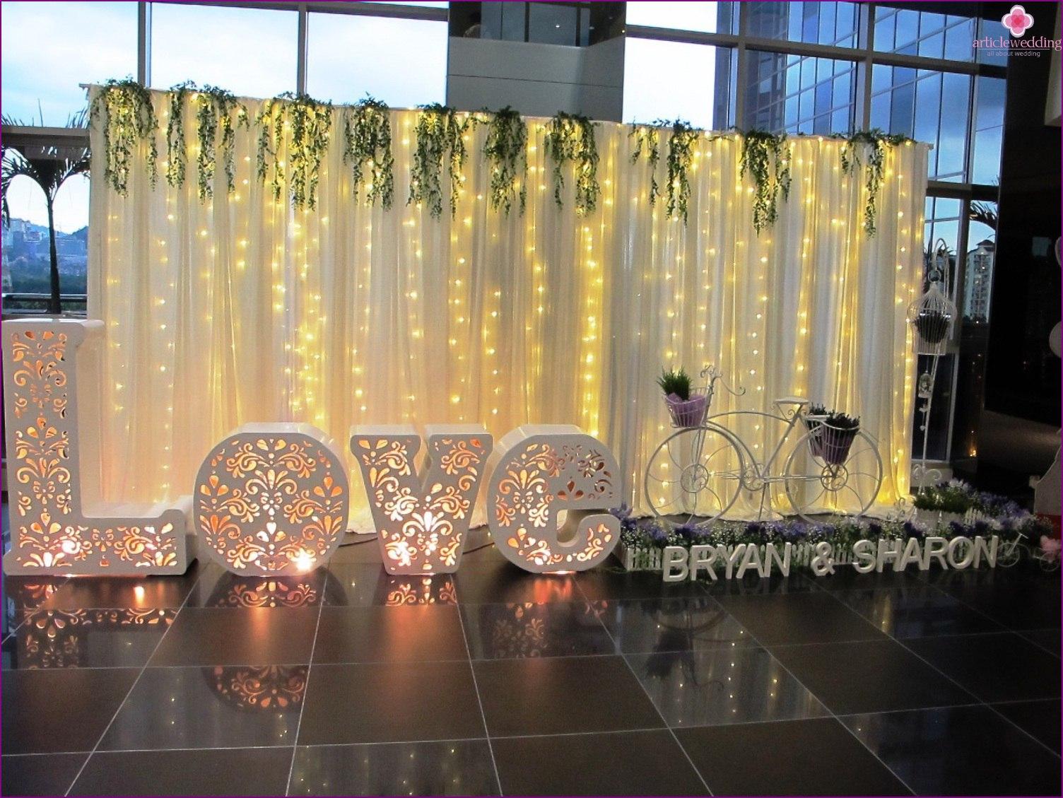 zA2GpYcaWEw - Модные тенденции в оформлении фотозоны на свадьбе в сезоне 2017 (30 фото)