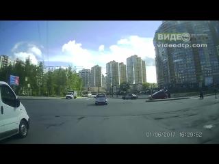 Авария Lada Kalina Sport vs Renault Clio   ДТП авария