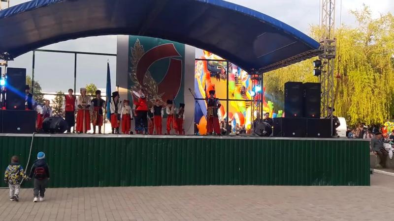 Виступ козацької школи фехтування Булат на день перемоги (09.05.17)