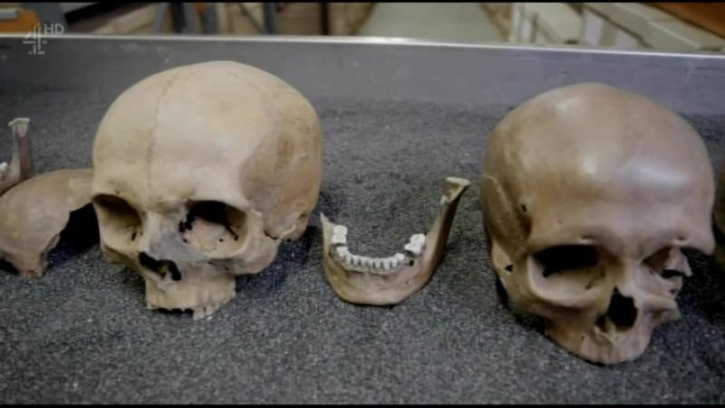 Тайны истории: Тайны римских черепов / Secret History: The Mystery of the Crossrail Skulls (2016)