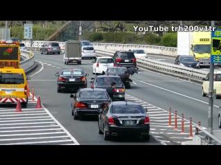 Кортеж японского премьер-министра и дорожный трафик