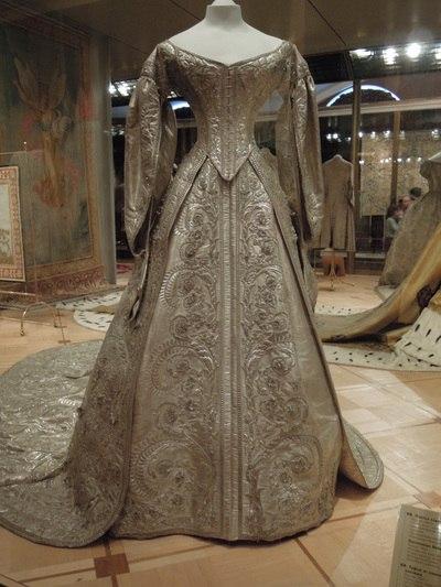 Коронационное платье императрицы Александры Федоровны