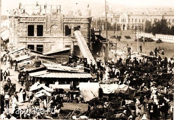 Строительство нового торгового корпуса на Новобазарной площади.