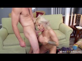 Alyssa Lynn & Lucas Frost (She's Always Naked)
