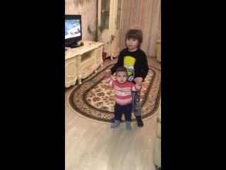 Брат и сестра ☺️