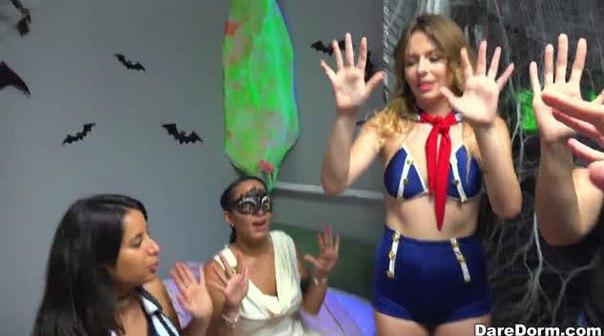 DareDorm – Halloween Dress Down – Sophia Leone, Michelle Martinez & Joseline Kelly