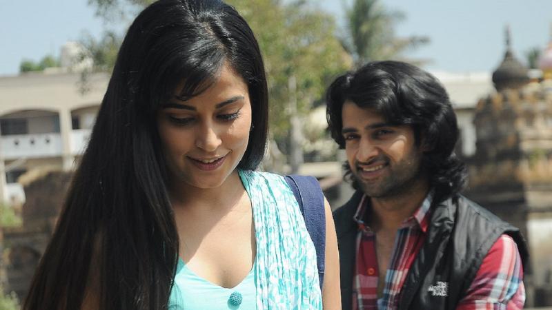 Трейлер Фильма: Наша Индия самая дорогая страна / Жизнь среднего класса / Saare Jahaan Se Mehnga (2013)