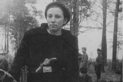«Бандит Катя»: почему фашисты давали за ее