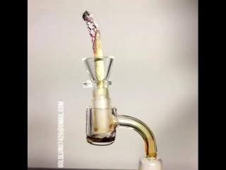 Как работает бонг на соке конопли