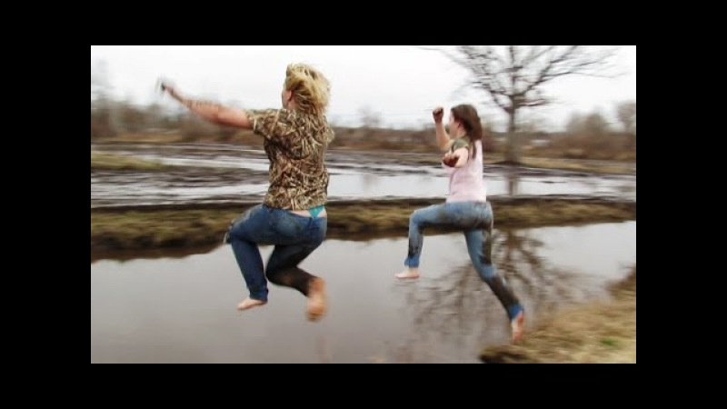 Cute Girls Jumping In The Mud Water At M13 Mud Bog