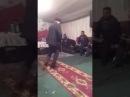 Дед танцует под папито