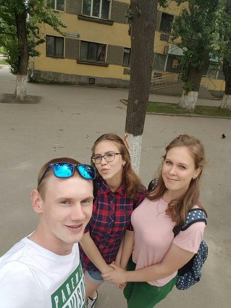 Первый раз у вас в городе) Кто знает этих прекрасных девочек дайте ссы